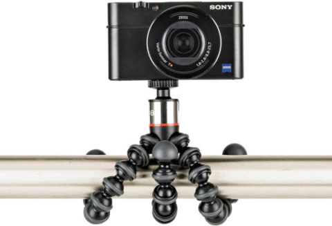 This is an image of JOBY GorillaPod 500 A Compact, Flexible Tripod for Sub-Compact Cameras